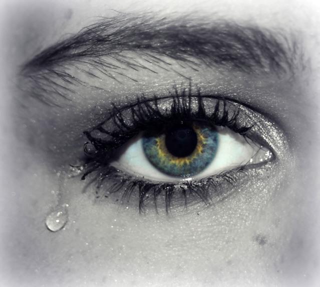teardrop-falling-out-of-blue-eye