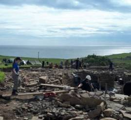 The Cairns excavation overlooking the North Sea.