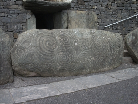 Newgrange entrance B Bell