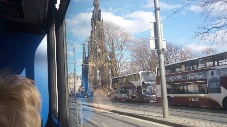 Scott Monument on the bus H Armet