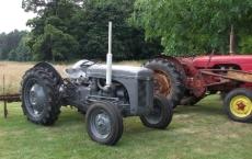tractors B Bell