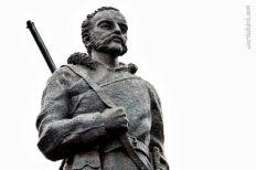 John Rae statue by sculptor Ian Scott