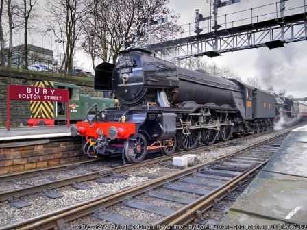 Flying Scotsman in war time livery