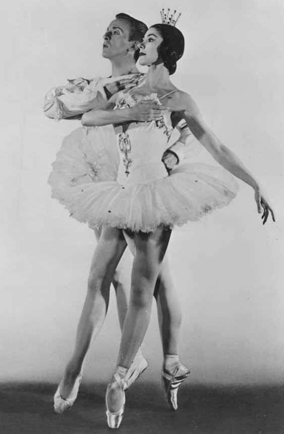 Fonteyn_Helpmann_Sleeping_Beauty_Sadler's_Wells_US_tour_(2)