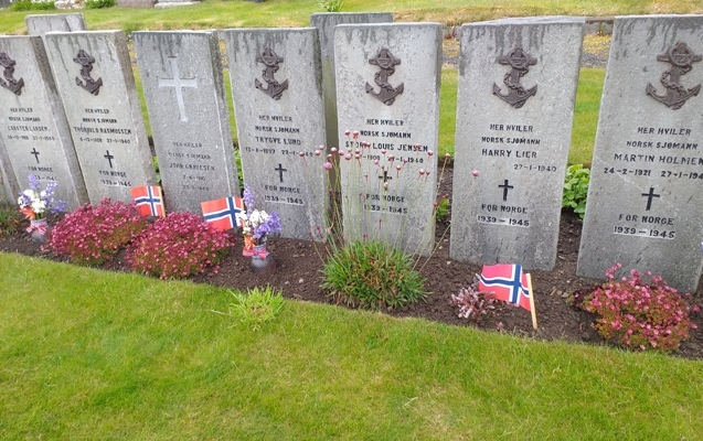 St Olafs Cemetery Norwegian war graves credit John Mowat