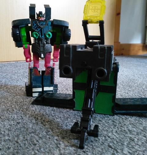 Transformer Clench